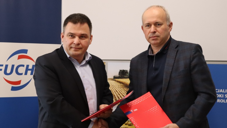 Firma Fuchs Oil Corporation na dłużej w Górniku